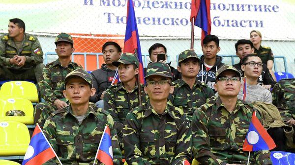 Военнослужащие команды Лаоса на открытии международных армейских игр АрМИ - 2019
