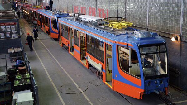 Сборочная линия низкопольных трамваев на Усть-Катавском вагоностроительном заводе