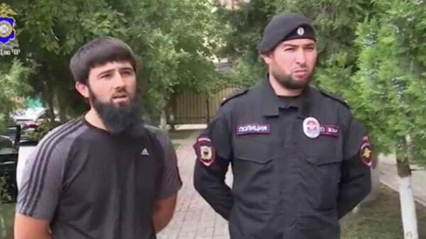 В Чечне наградили полицейского и местного жителя, спасших ребенка
