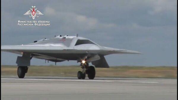 Первый полет новейшего беспилотника Охотник