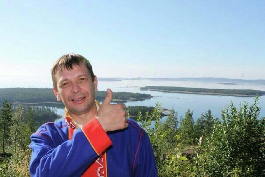 Андрей Данилов в традиционном костюме саами