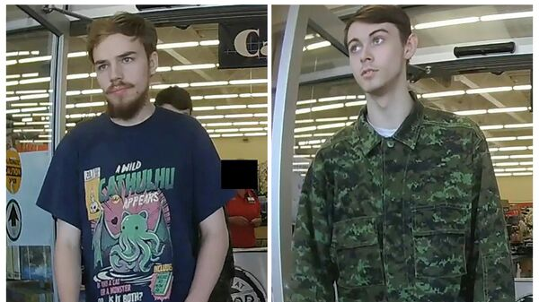 Подозреваемые в убийстве трех человек Кам Маклеод и Брайер Шмегельский