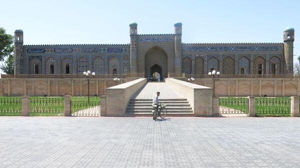 Дворец Худояр хана в Коканде, Узбекистан