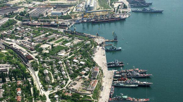 Порт в Севастополе