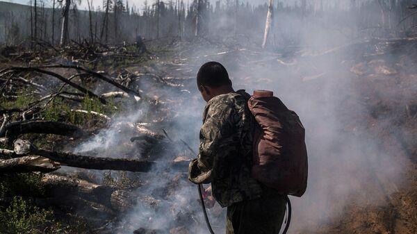 Волонтеры-спасатели завершили тушение лесов в Сибири