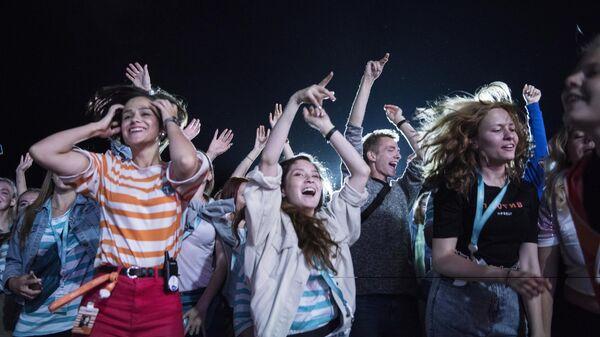В центре Петербурга состоялся флешмоб в честь фестиваля Таврида-АРТ