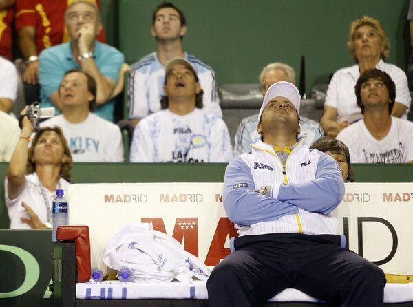 Капитан сборной Аргентины по теннису Альберто Манчини во время финального матча Кубка Дэвиса