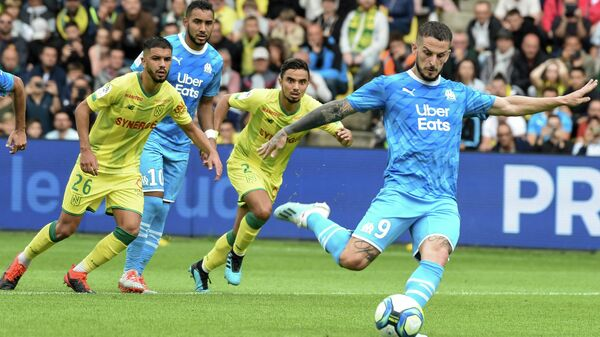 Нант — Марсель в матче второго тура чемпионата Франции по футболу.