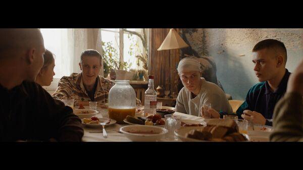 Кадр из фильма Бык