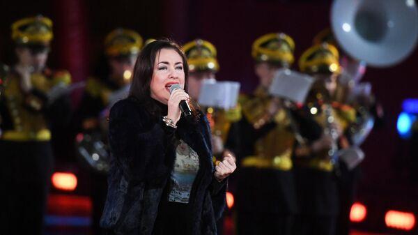Певица Тамара Гвердцители выступает на репетиции парада участников Международного военно-музыкального фестиваля Спасская башня на Красной площади в Москве