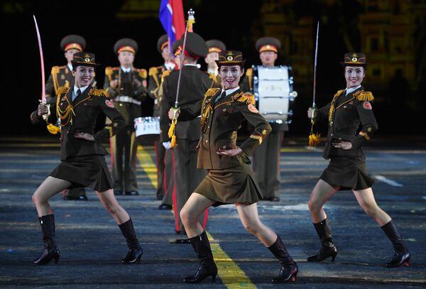 Военный оркестр Народной армии Корейской Народно-Демократической Республики (КНДР) на репетиции парада участников Международного военно-музыкального фестиваля Спасская башня на Красной площади в Москве