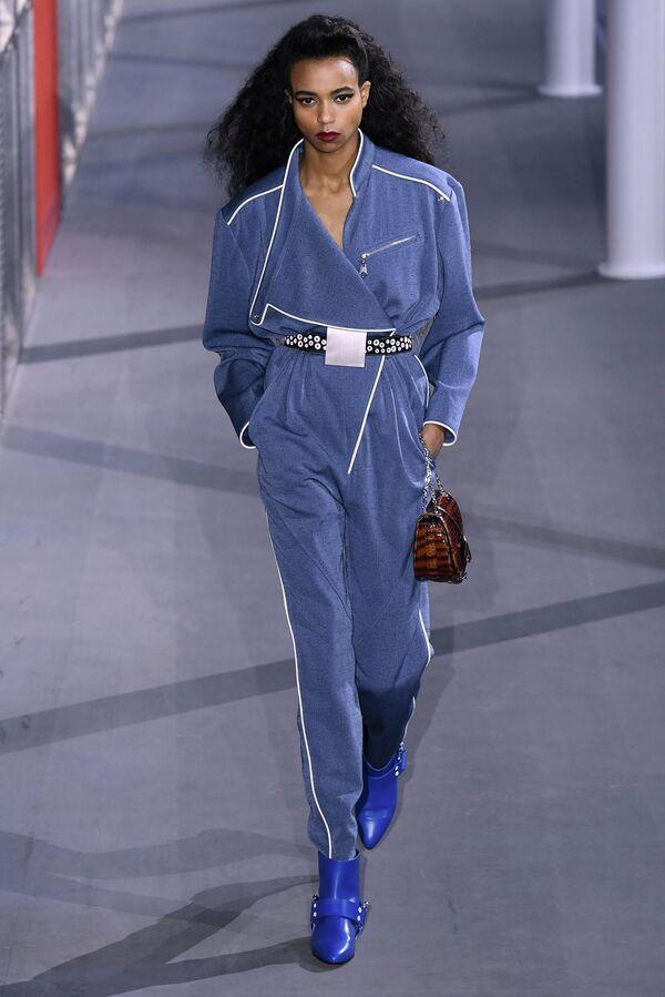Показ коллекции одежды сезона Осень-Зима 2019/2020 Louis Vuitton в Париже