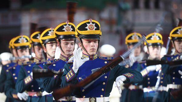 LIVE: Кавалерийский почетный эскорт Президентского полка на фестивале Спасская башня