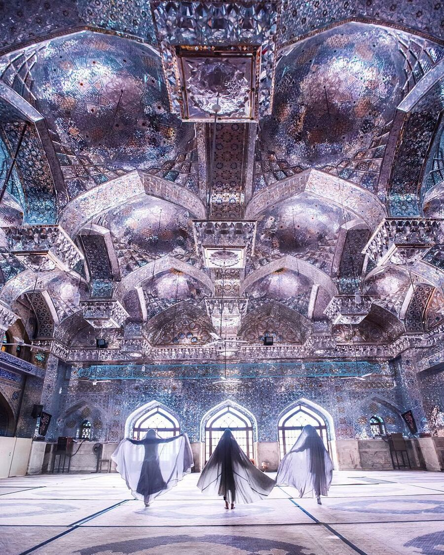 Бриллиантовая мечеть в Иране
