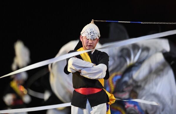 Музыкальная группа Хан-нури на торжественной церемонии открытия XII Международного военно-музыкального фестиваля Спасская башня на Красной площади в Москве