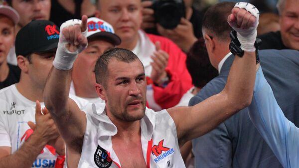 Бокс. Бой между Сергеем Ковалевым и Айзеком Чилембой