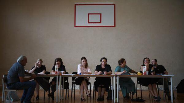 Сотрудники избирательного участка в школе села Ачандара. 25 августа в Абхазии проводятся выборы президента