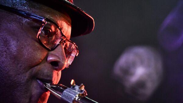 Музыкант Регги Оливер во время выступления на 17-м международном музыкальном фестивале Koktebel Jazz Party в Крыму