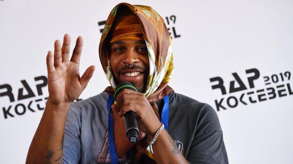 Рэпер Азизи Гибсон на пресс-конференции, посвященной открытию фестиваля Rap Koktebel – 2019 в Крыму