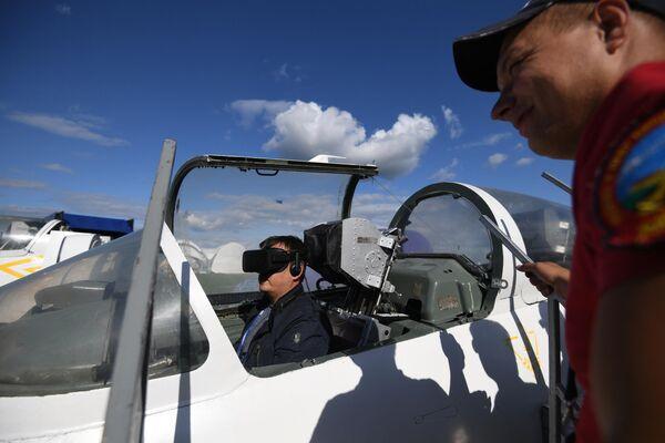 Тренажер самолета Л-39 альбатрос на Международном авиационно-космическом салоне МАКС-2019 в подмосковном Жуковском