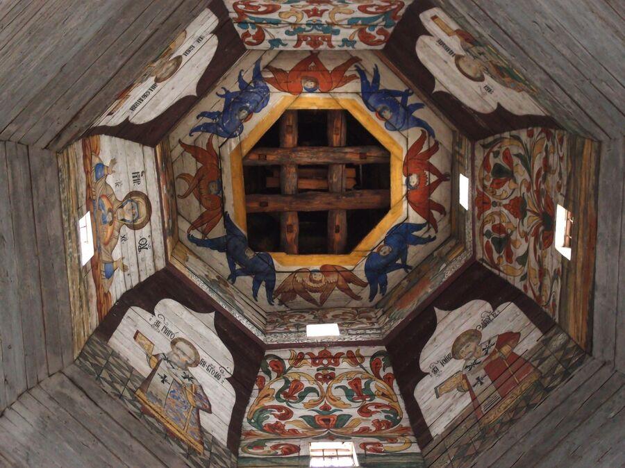 Внутри Старо-Вознесенского храма