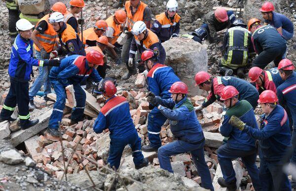 В Новосибирске на рабочих обрушилась стена строящегося здания. 28 августа 2019