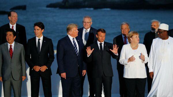 Великолепная шестерка и вратарь. G7 распадается на пары