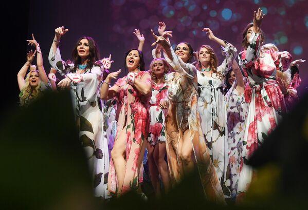 Участницы в финале конкурса Миссис Россия 2019 в Москве