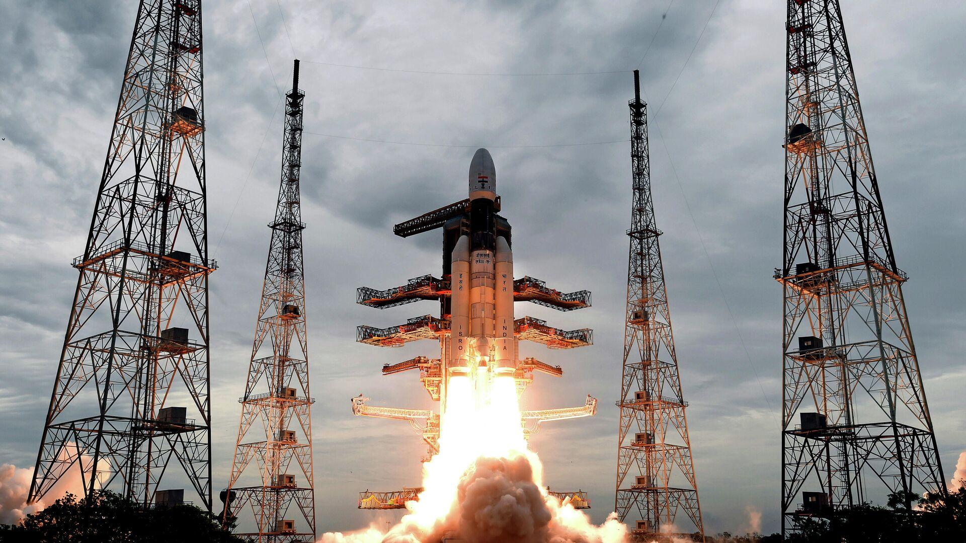 Запуск ракеты-носителя Mk III с автоматической станцией Чандраян-2 с космодрома космического центра имени Сатиша Дхавана - РИА Новости, 1920, 28.02.2021