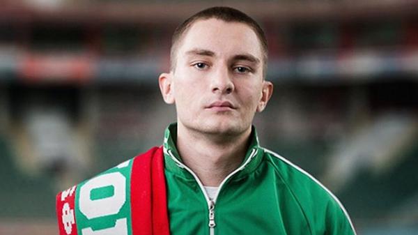 Герой сериала Вне игры Саша в исполнении Никиты Павленко