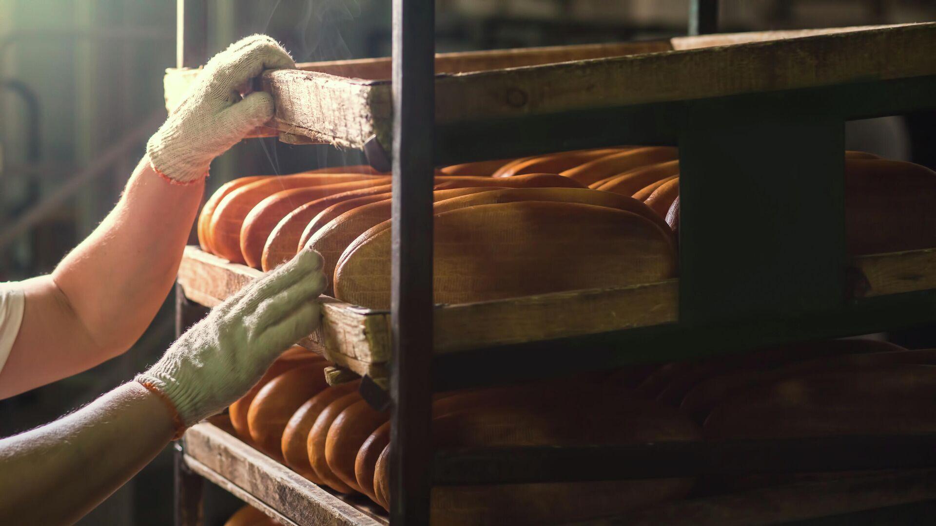 Свежеиспеченный хлеб  - РИА Новости, 1920, 24.01.2021