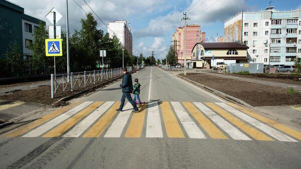 Дорога в поселке Белый Яр (ХМАО)
