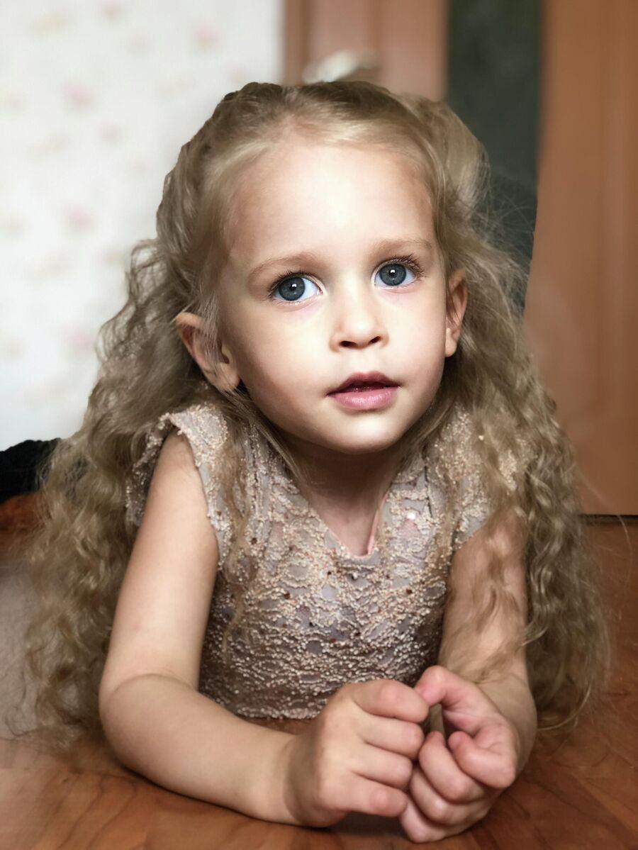 Лику Ширяеву родители называют наша принцесса-балерина