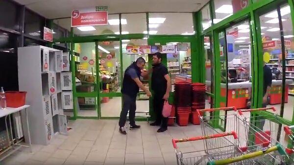 Конфликт администратора и покупателя в магазине Пятерочка в Москве