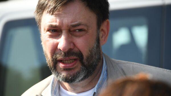 Руководитель портала РИА Новости Украина Кирилл Вышинский в аэропорту Внуково
