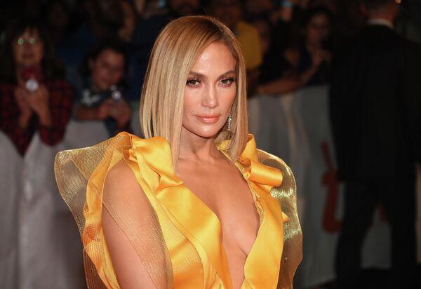 Американская певица Дженнифер Лопес на Международном кинофестивале в Торонто