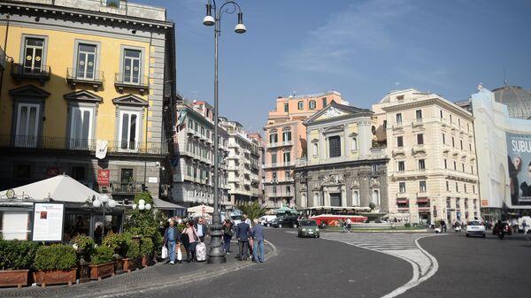 Площадь Триеста и Тренто в Неаполе