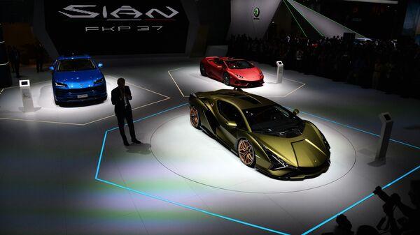 Автомобили Lamborghini на международном автомобильном салоне во Франкфурте