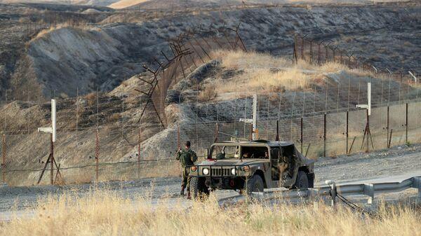 Израильские солдаты на дежурстве в Иорданской долине
