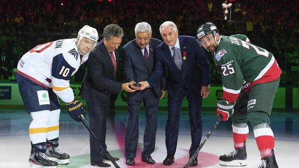 Сергей Мозякин, Наиль Маганов, Фарид Мухаметшин, Зинэтула Билялетдинов и Данис Зарипов (слева направо)