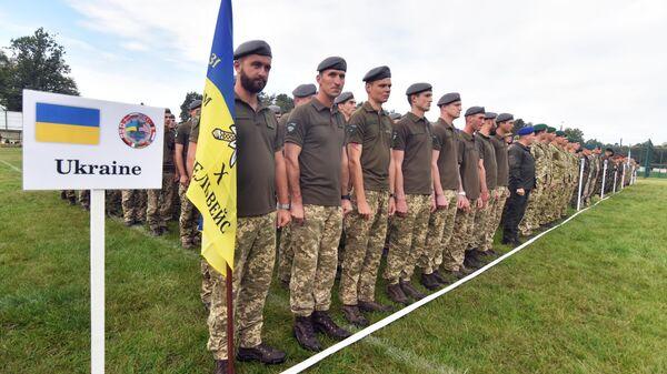 Военнослужащие армии Украины во время учения Rapid Trident-2019 во Львовской области