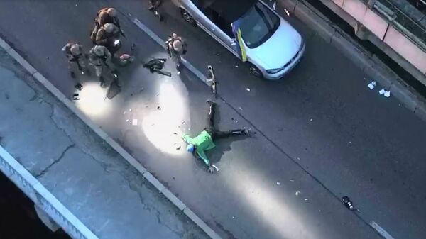 Задержание мужчины, угрожавшего взорвать мост в Киеве