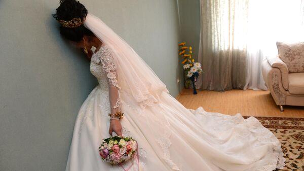 Невеста в ожидании жениха в своем родовом доме в селение Табасаран