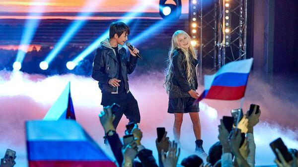 Участники вокального проекта Ты супер! Суперсезон Денберел Ооржак и Татьяна Меженцева