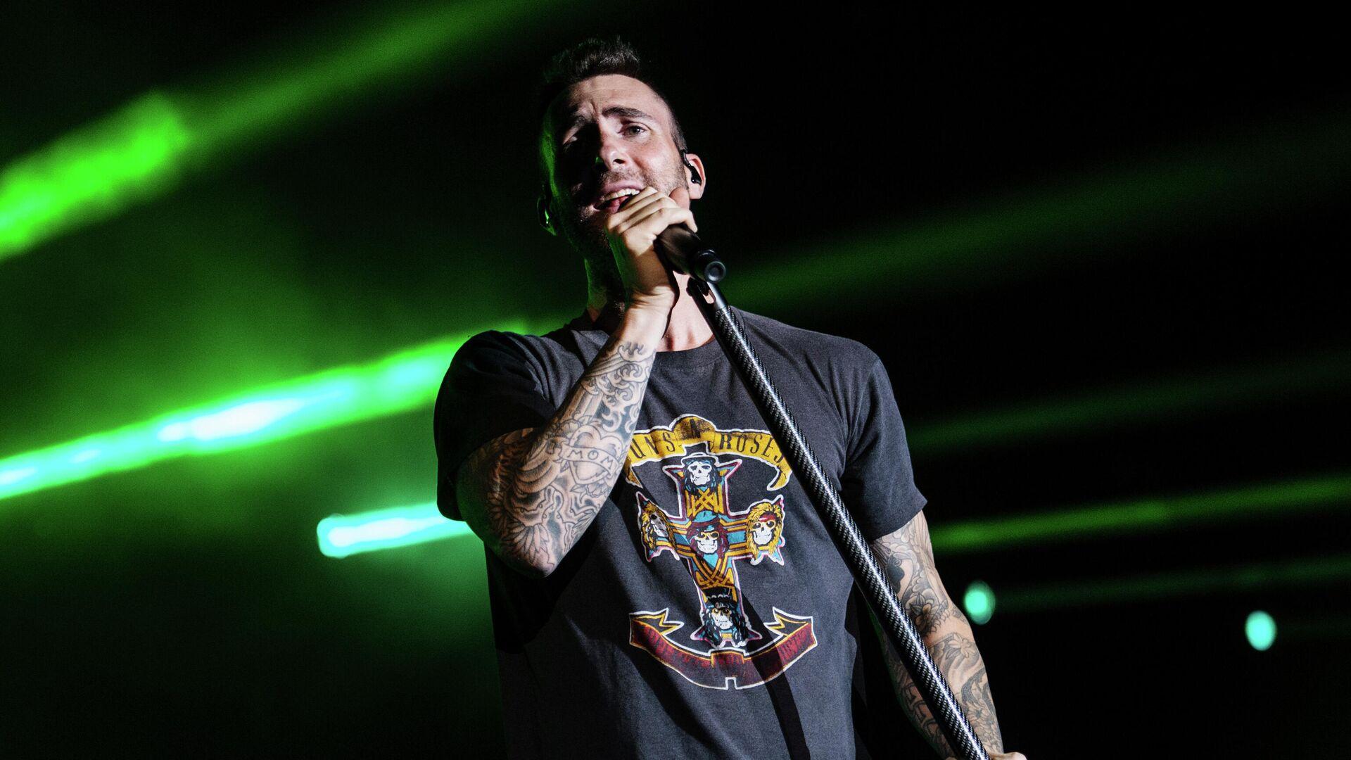 Вокалист группы Maroon 5 Адам Левин  - РИА Новости, 1920, 13.06.2021