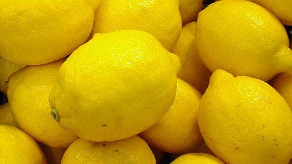 Власти Москвы объяснили колебание цен на лимоны