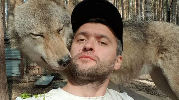 Кирилл Потапов с волком