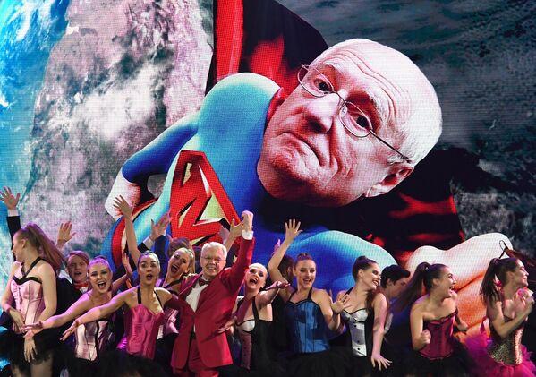 Во время празднования 85-летия Марка Захарова в театре Ленком в Москве