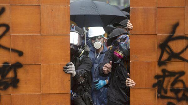 Участники протестов в Гонконге