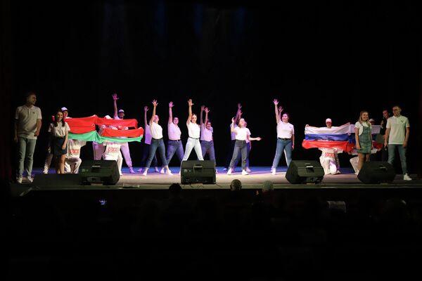 В рамках фестиваля состоялась молодежная концертная эстафета по городам Ростовской области (Шахты и. Таганрог)